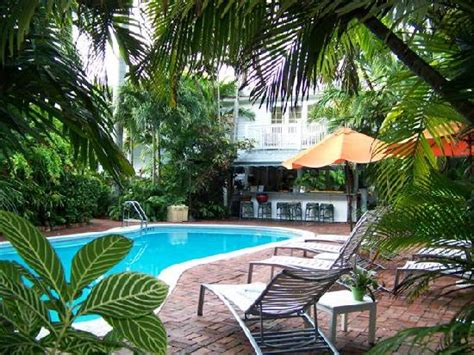 Garden And Gun Key West Pool And Outdoor Bar Picture Of The Gardens Hotel Key