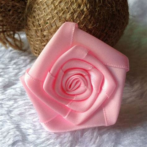 come fare un ladario fai da te come fare fiori con un nastro bricolage realizzare