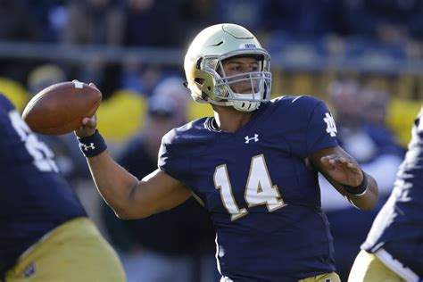 Notre Dame Part Time Mba Chicago by Notre Dame Qb Deshone Kizer Explaining His Path To The
