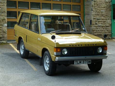 gold range rover tlm 373m 1973 range rover 2 door classic bahama gold