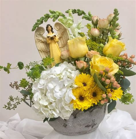 yellow light delivery service 39 best everyday designs images on flower