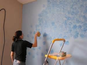 pareti effetto spugnato pitturare dipingere pareti con effetto spugnato
