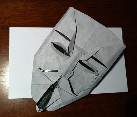 Fawkes Mask Origami - 309 v for vendetta setting the crease