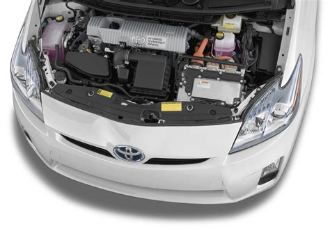 toyota motor 2011 toyota prius reviews and rating motor trend