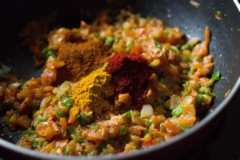 pav bhaji masala recipe in marathi pav bhaji recipe how to make mumbai pav bhaji recipe
