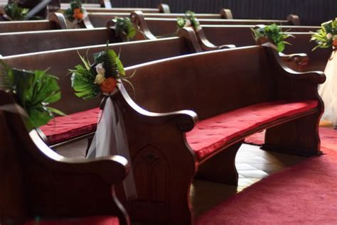 church bench decorations wedding 6 things you probably didn t know about church pews epicpew
