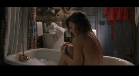 mirrors 2 bathroom scene what the hell a cabin fever remake darkness