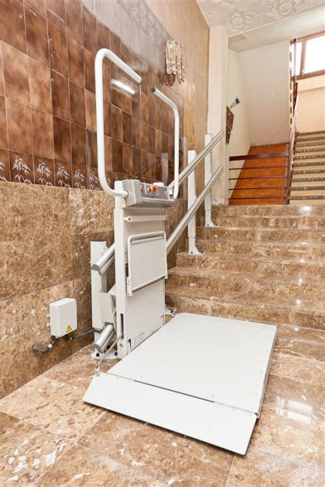 pedane per scale montascale a pedana porta carrozzine per disabili