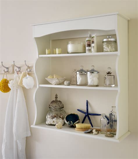 useful tips on arranging bathroom wall shelves