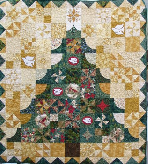 o christmas tree quilt pattern 197 best images about christmas quilts on pinterest