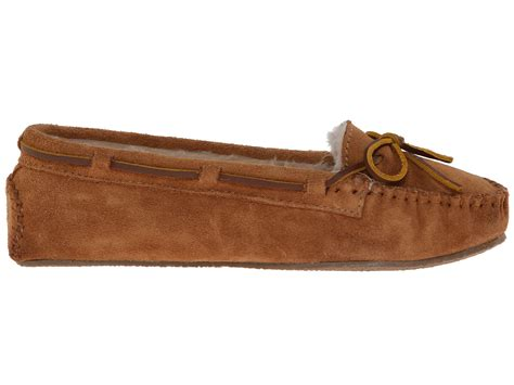 minnetonka slippers men shipped free at zappos minnetonka cally slipper zappos com free shipping both ways