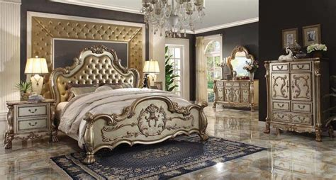 Unique Dining Room Set by Luxurious Classic Bed Delmon Classic Bedroom
