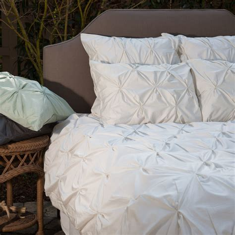 White Quilt Cover by 400 Thread Count White Pintuck Duvet Cover The