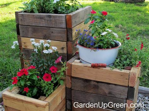 Best Wood To Use For Planter Boxes by 32 Best Diy Pallet And Wood Planter Box Ideas And Designs