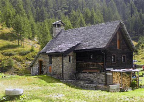 cottage italia alpine cottage devero alp italy pixdaus