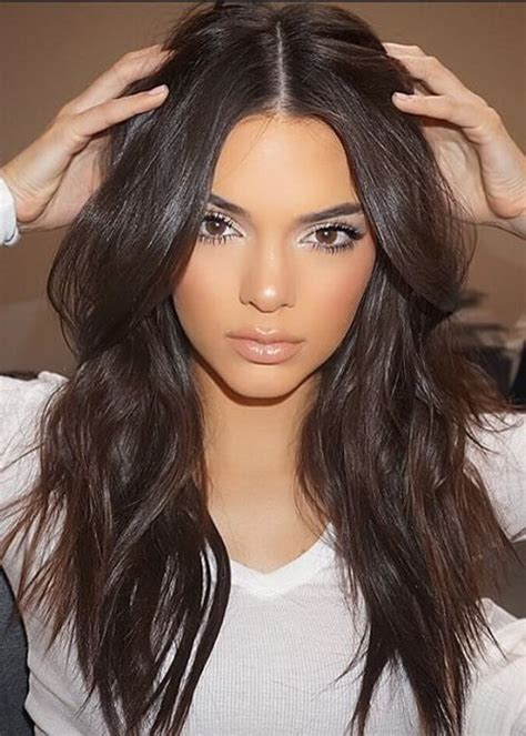 Kendall jenner wavy dark brown loose waves hairstyle steal her style