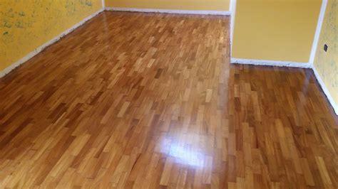 pavimenti legno massello pavimento in legno massello cool di presentarsi gi