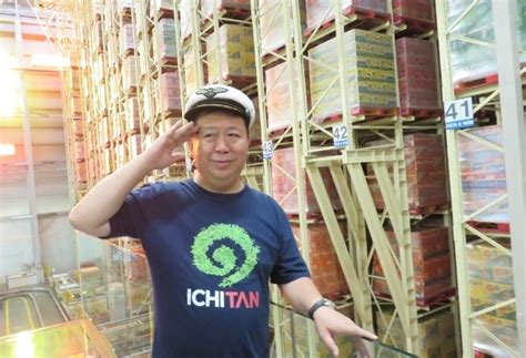 Teh Ichitan Indo ichitan berjualan koran hingga sukses jadi pengusaha
