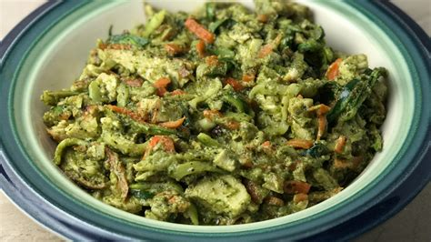 olive garden zoodles dairy free chicken pesto zucchini and carrot zoodles recipe whole30