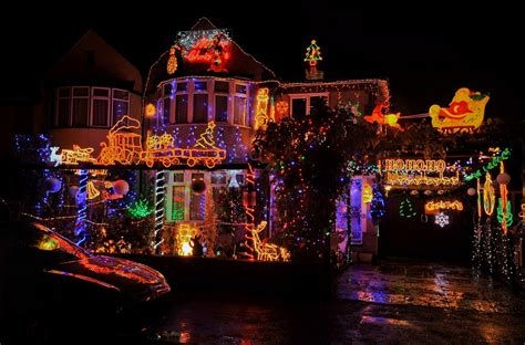 christmas strobes the families pulling out all the stops to turn their homes into winter wonderlands daily mail