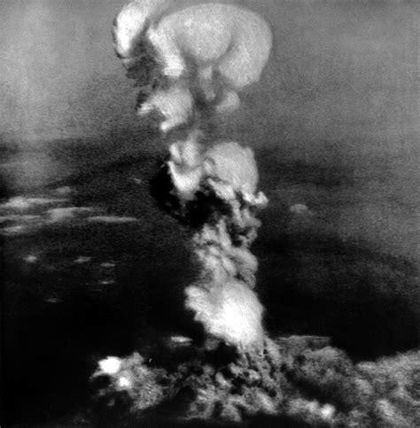 imagenes reales bomba hiroshima hiroshima y nagasaki el crimen de guerra por el que eeuu