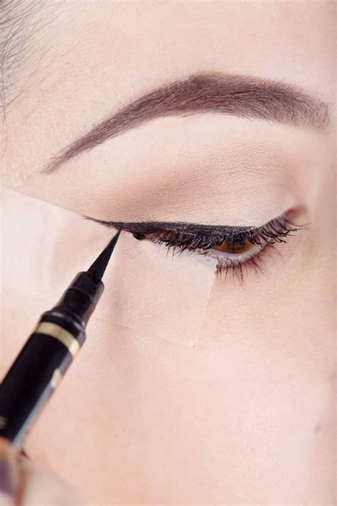Eyeliner My how to use scotch to your liquid eyeliner