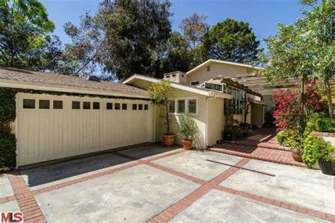 houses in california for rent 3 celebrity homes for rent and 3 celebs who are serial