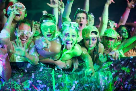 dayglow paint party official life in color quot world s largest paint party