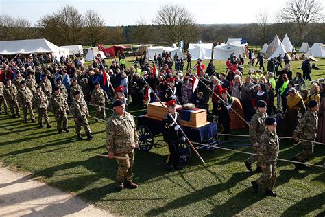 king richard iii to be reburied in battlefield where he died 530 king richard iii thousands queue for hours in leicester