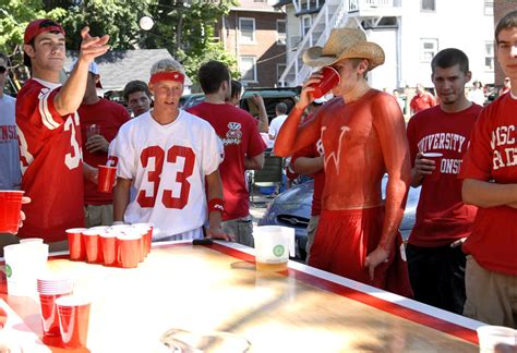 the real top 10 college football tailgates of 2010