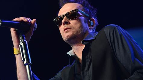 Scott Weiland, Former Stone Temple Pilots Singer, Dead at