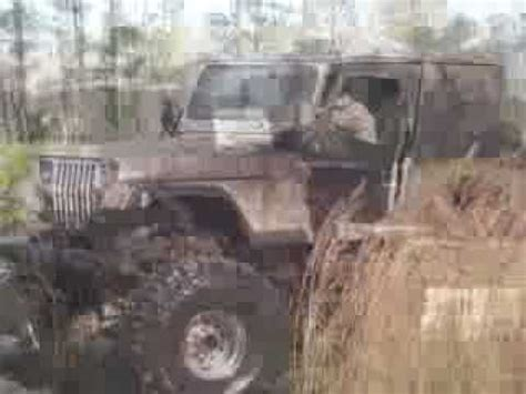 jeep mudding gone wrong bad huge jeep in the mud boggin 4x4 youtube