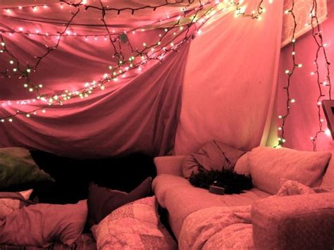 5 steps to building your own epic blanket fort how to build a pillow and blanket fort woodworking