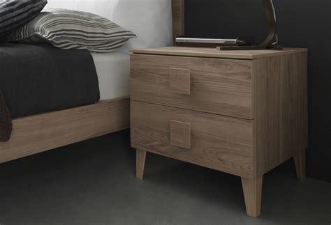 comodini in offerta comodino in legno offerte materassi