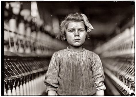 lewis hine phaidon 55s 0714841978 25 best ideas about lewis hine on labor law slavery images and old photographs