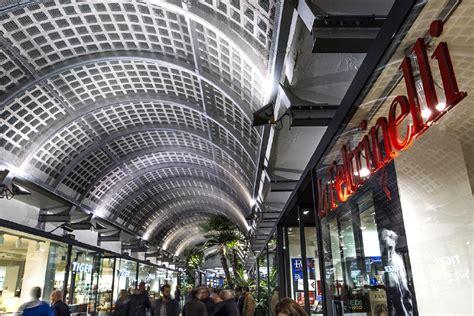 libreria feltrinelli udine torna a grande richiesta in centro a udine alla libreria