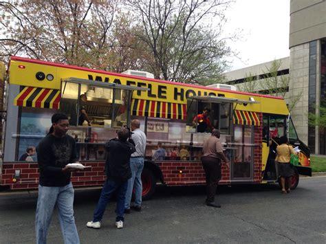 waffle house on university 31 reasons why we love waffle house