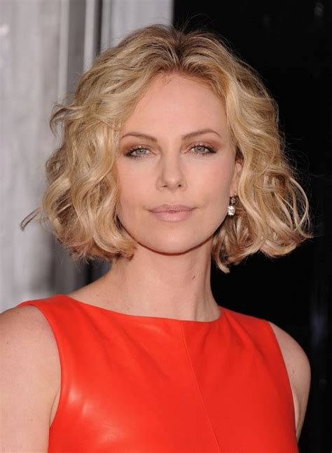 how to dress with chin length hairstyles 60 hottest celebrity short haircuts for 2018 styles weekly
