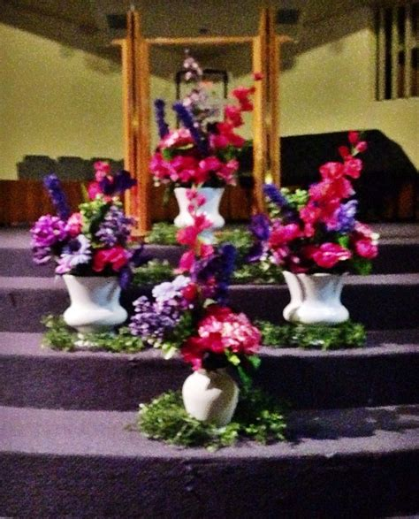 fresh greens in basket on floor of altar christmas 2013 17 best images about church decor on pinterest altar