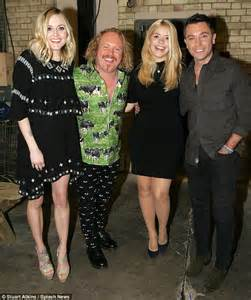 celebrity juice new series 18 holly willoughby reunites with pregnant fearne cotton for
