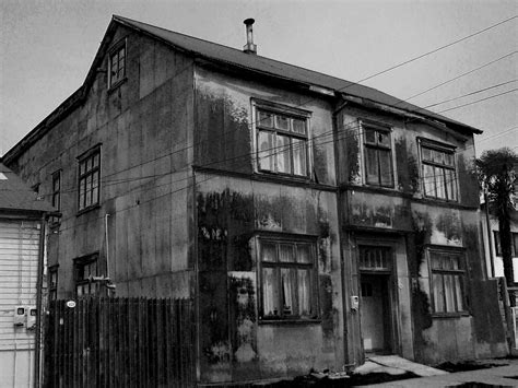 lo  cuenta la gente una casa tenebrosa en ensenada