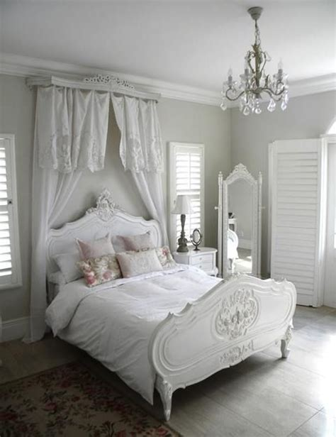blue and white shabby chic bedroom 25 delicate shabby chic bedroom decor ideas shelterness