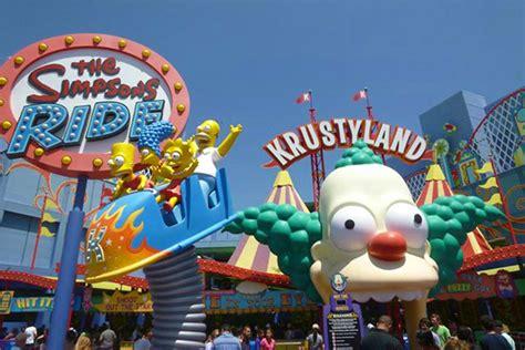 pop puglia e bas apertura parco divertimenti dei simpsons quest estate