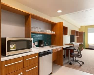 albany hotel rooms suites home suites  hilton albany airportwolf