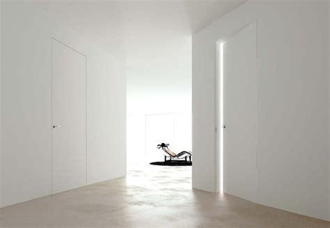 sede legale linear porta interna a battente filo muro con idropittura