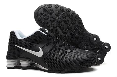 nike shox 2017 s shoes black white black friday cyber