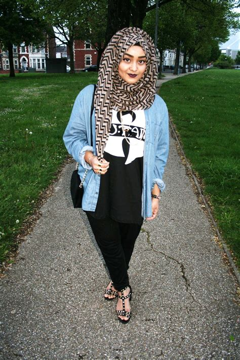 Aqela Tunik everyday fashion for school hijabiworld