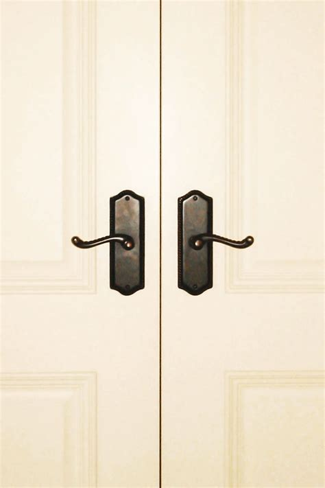 Interior Door Knobs And Hinges by Fetching Rubbed Bronze Interior Door Hinges Image Mag