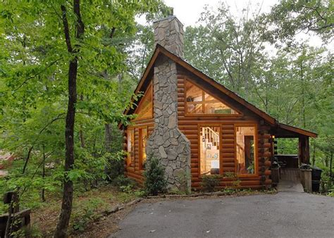 Log Cabin Rentals Smoky Mountains by Acorn Cabin Rentals Smoky Mountains Taking
