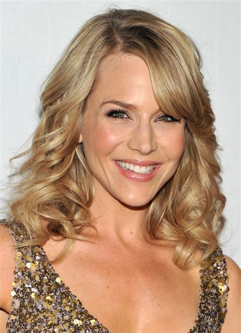 medium curly hairstyles styles weekly julie benz shoulder length curly hairstyle with side swept